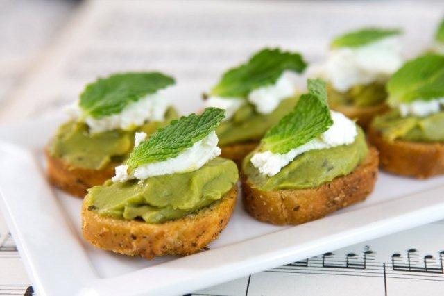 Avocado and Goat Cheese Toasts!
