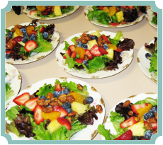 Mesclun Salad with Fresh Fruit and Praline Pecans