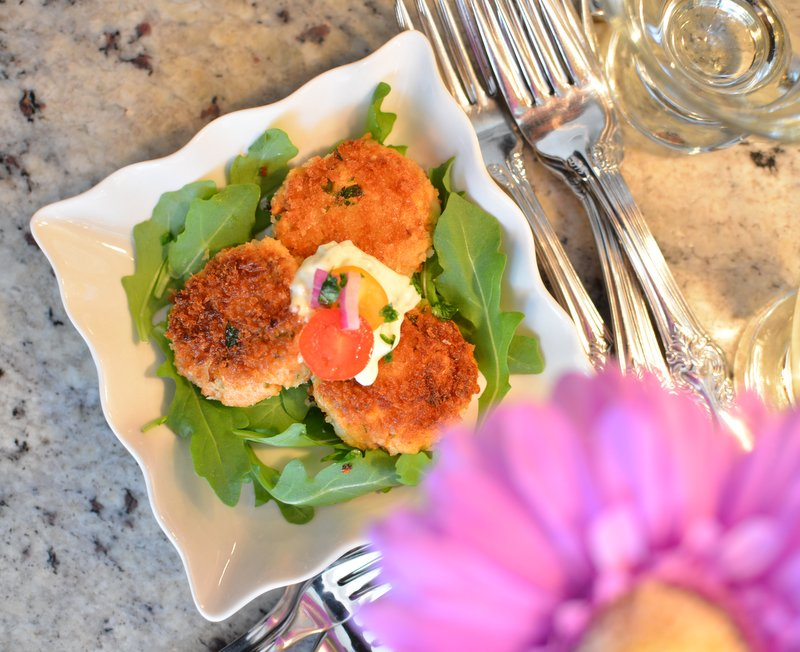 Salmon Cakes with Pickled Aioli