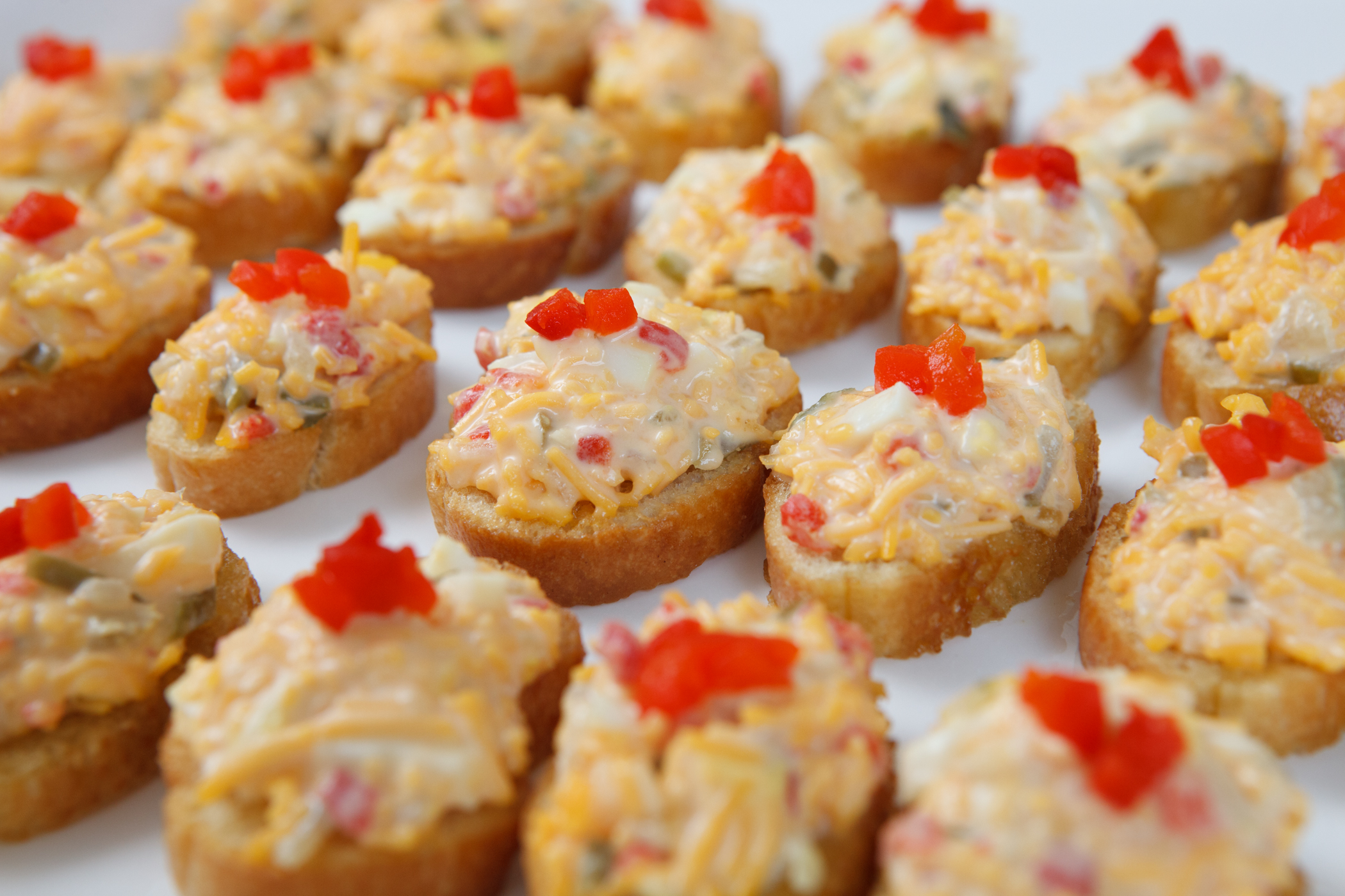 Mac and cheese canapes recipe dishmaps for Canape recipies